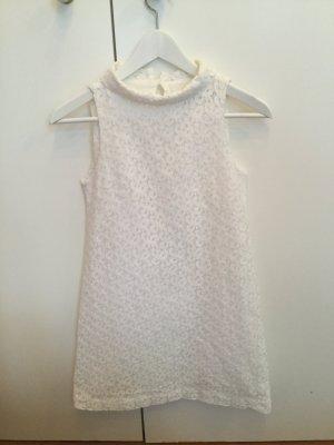 Weißes Minikleid mit hohem Kragen