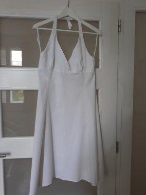 weißes Neckholder Sommerkleid