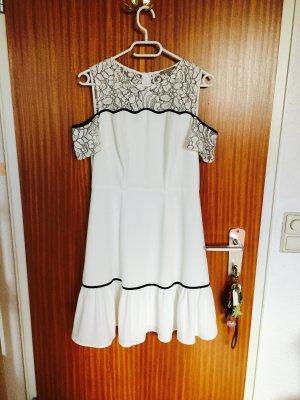 Weißes Offshoulder Kleid