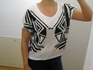 weißes Oversize Shirt mit schwarzem Muster