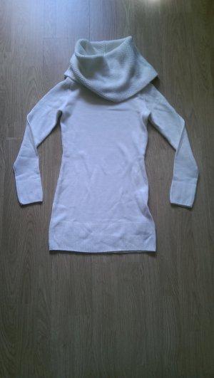 Weißes Rollkragenkleid von H&M in Wolloptik