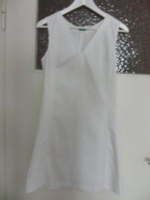 Weißes schlichtes Kleid von Benetton