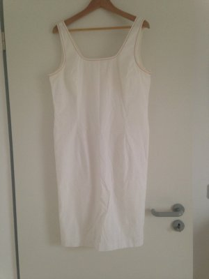 Weisses SHE Etui - Kleid