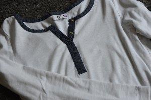 Weißes Shirt mit blauem Kragen von AJC