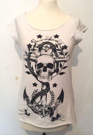 Weißes Shirt mit Totenkopf Motiv von Zara