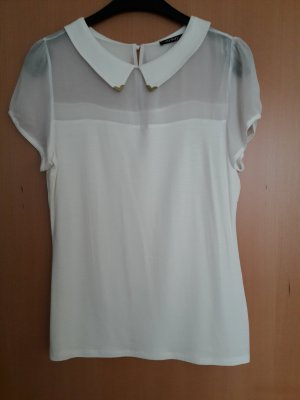 weißes Shirt mit transparentem Einsatz