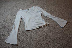 weißes Shirt mit Trompetenärmel