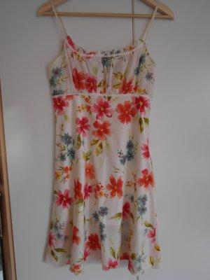 weißes Sommerkleid mit Blumenmuster und Trägern von Amisu, Größe 36