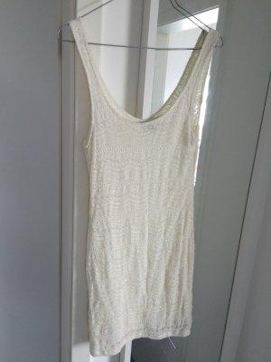 Weißes Sommerkleid von Bershka