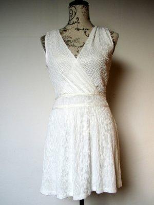 Weißes Sommerkleid von Mango, neu, mit Rückenausschnitt, Größe XS