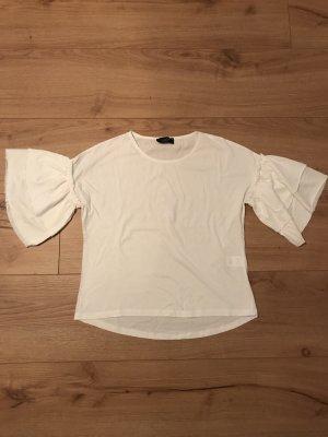 Weißes T-Shirt mit Trompetenärmel
