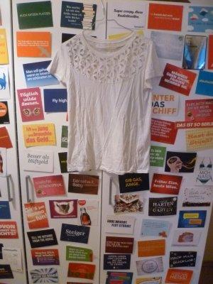Weißes T-Shirt von ZARA mit Lochmuster, Sommer, Basic, Blogger