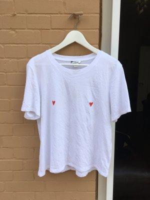 Weißes Tshirt mit Herzen Brust nippel Betonung Herz Aufdruck weiß rot hip cool edgy Trend patches Shirt