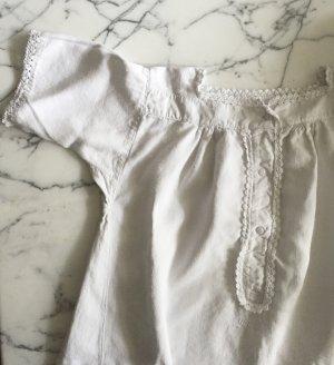 Weißes Vintagekleid mit kurzen Ärmeln