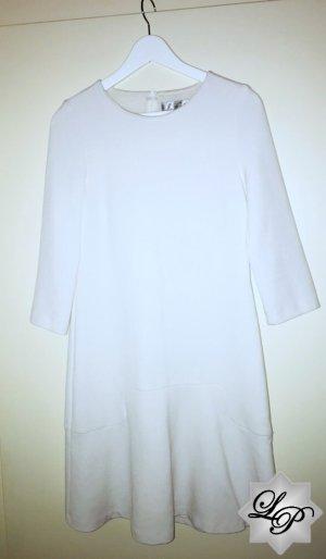 Weißes Winterkleid mit 3/4 Armen