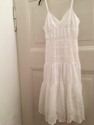 weißes zartes Sommerkleid mit Spaghettiträgern