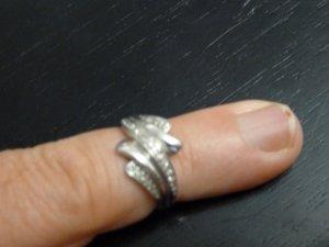 Weißgoldring mit 29 Diamanten und Zertifikat