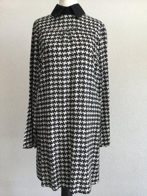 Weit fließendes Kleid von Sisley