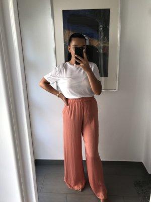 Weit geschnitte Hose Zara