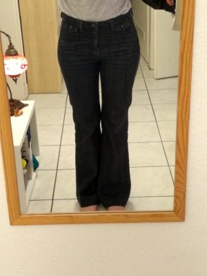 Weit-geschnittene Jeans von Mango
