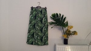 H&M 3/4 Length Trousers forest green-white polyester
