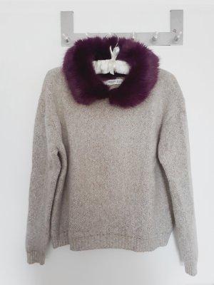 Weit geschnittener Pullover mit Kunstfellkragen