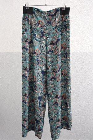 weite bunte Hosen mit orientalischem Muster