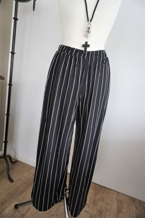 H&M Divided Palazzo Pants black-white viscose