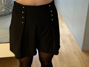 Zara Shorts negro-color oro