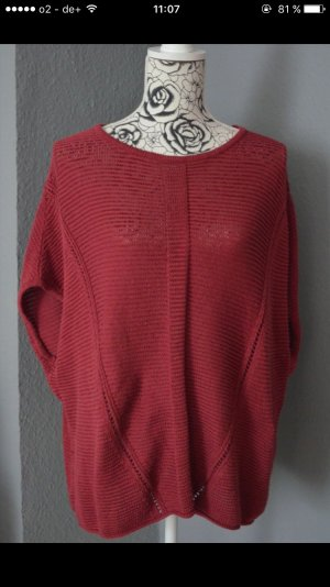 Weiter Pullover kurzärmlig
