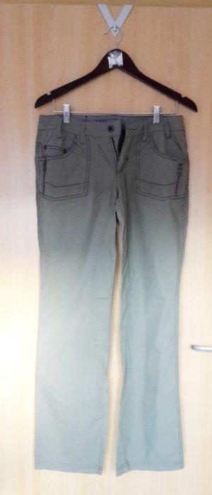 weitere braun-grüne Hose