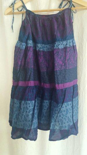 Weites gemustertes Babydoll Kleid in blau und lila