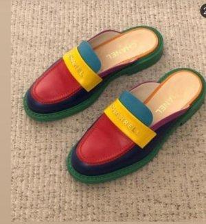 Weltweit ausverkaufte Chanel Pharrell Schuhe