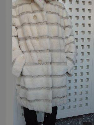 Abrigo con capucha crema Piel
