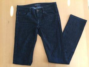 Wenig getragene Jeans