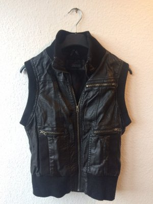 Bata Leather Vest black