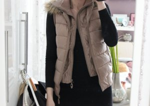 Quilted Gilet gold-colored