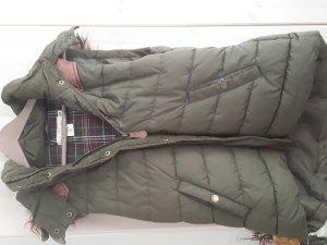 Weste mit Seitentaschen und einer Fellkaputze von H &M