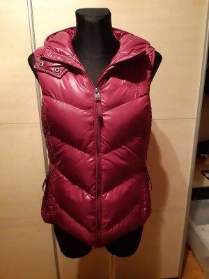 QS by s.Oliver Quilted Gilet purple-magenta