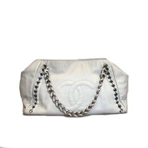 White  Chanel Shoulder Bag