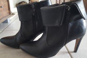 Why not? *Kaufen und Sparen* Schuhe von Tamaris und Kleid