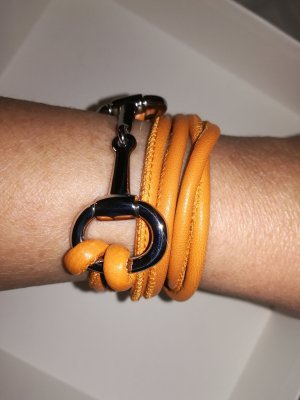 Bracelet en cuir orange clair