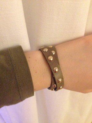 Bracelet en cuir gris brun
