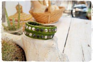 Wickelarmband Leder mit Nieten grün