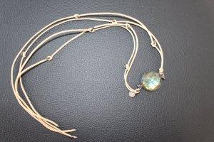 Wickelarmband oder Wickelhalskette aus Leder, Silber und Edelstein, Marke Marjana von Berlepsch