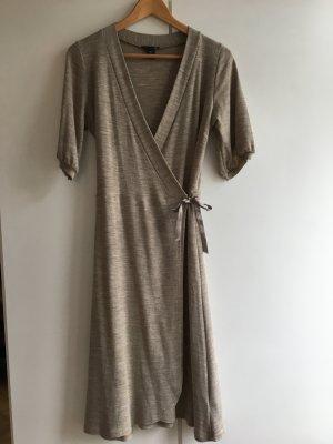 H&M Robe portefeuille beige laine