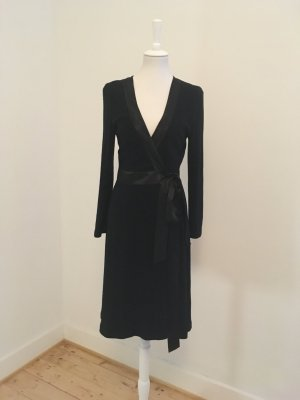Diane von Furstenberg Wraparound black wool