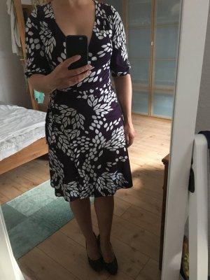 Wickelkleid größe 38, lila