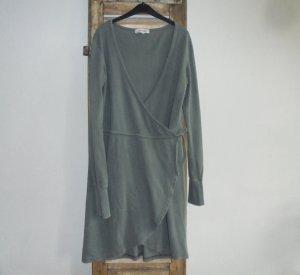 Vestido cruzado gris verdoso Viscosa