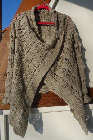 Cache-cœur en tricot beige-brun sable